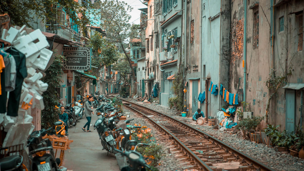 hanoi-train-tracks